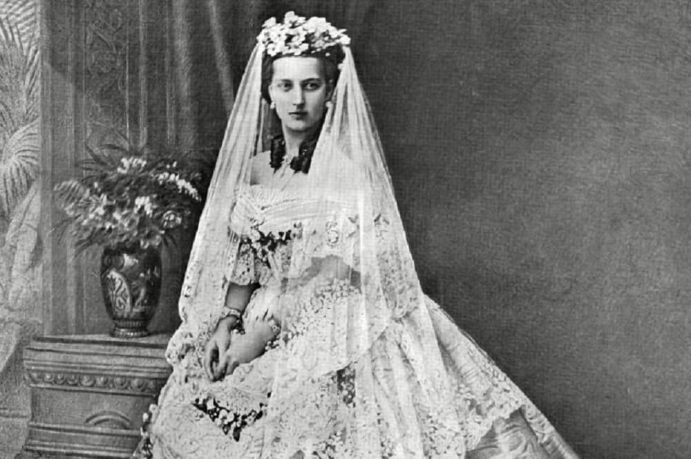 princess alexandra wedding dress