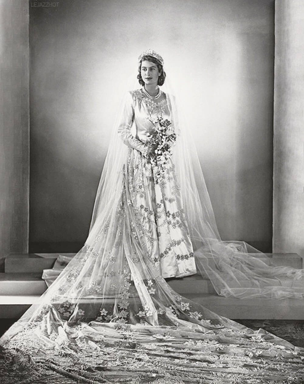 princess elizabeth wedding dress